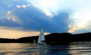jezioro solina wyspa energetyk camping