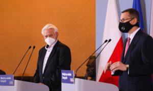 Horban: Będę rekomendował wprowadzenie zakazu przemieszczania i godzinę policyjną 22